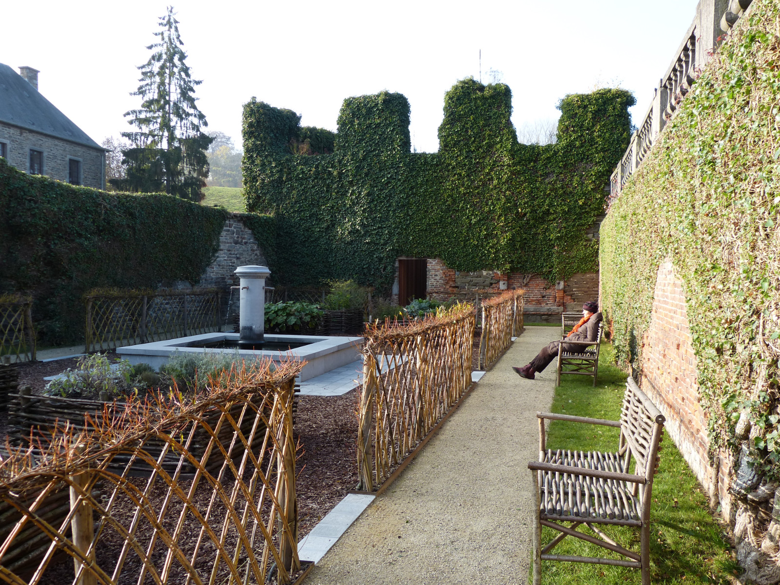 Le Jardin des simples en automne | Abbaye de Villers